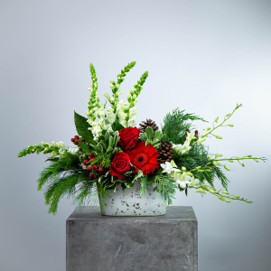 Winter Garden Centerpiece Christmas in Hesperia, CA | FAIRY TALES FLOWERS & GIFTS
