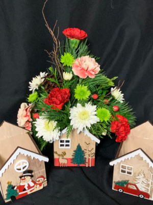 Winter House  2020 Fresh Floral Arrangement in Red Lake, ON | FOREVER GREEN GIFT BOUTIQUE