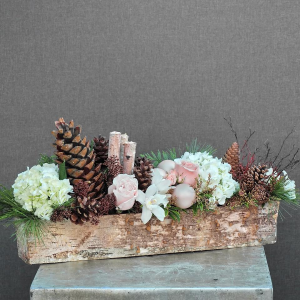 Winter Log   in Oakville, ON | ANN'S FLOWER BOUTIQUE-Wedding & Event Florist