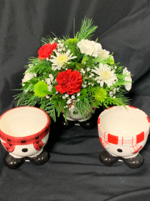 Winter Snowman 2020 Fresh Floral Arrangements  in Red Lake, ON | FOREVER GREEN GIFT BOUTIQUE