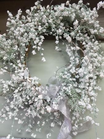Winter Snowy Wreath