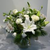 WINTER WHITE SHIMMER Christmas Arrangement