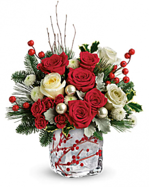 Winterberry Kisses Bouquet Christmas flowers in Miami, FL | FLOWERTOPIA