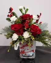 Winterberry Kisses fresh arrangement in keepsake cube
