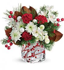 Wonderous Winterberry Bouquet     T18X605 Keepsake Arrangement