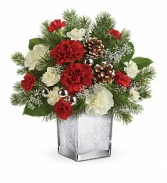 Woodland Winter    (Local Delivery Only) Fresh Keepsake Arrangement