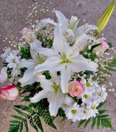 Assorted cut fresh flowers Bouquet