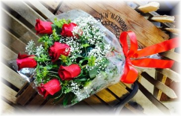 6 Red Roses Presentaion Bouquet * Pick Up Only *