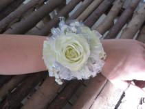 Wrist Corsage w/3 Roses Wrist Corsage