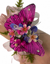 WRISTLET WITH WINGS PROM