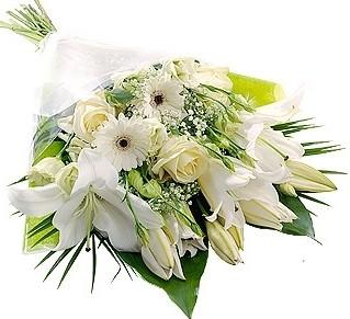 WHITE MIX FLOWERS GIFT WRAP