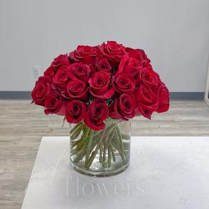 XO Vase Arrangment in Middletown, NJ | Fine Flowers