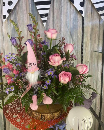xoxo Gnome bouquet Fresh Valentines Day