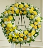 YELLO AND WHITE STANDING WREATH