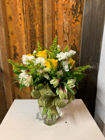 Yellow and White Arrangement Vase Arrangement