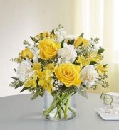 Yellow and White Delight Bouquet