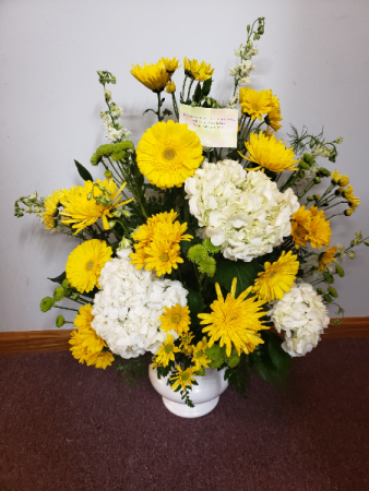 Yellow and white funeral flowers  Funeral flowers