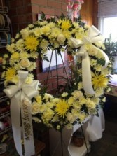 Yellow and White Open Wreath Easel