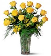 Yellow Dozen Roses vase