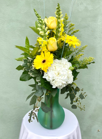 Yellow Highlites Powell Florist Exclusive