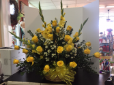 YELLOW ROSE SYMPATHY BASKET