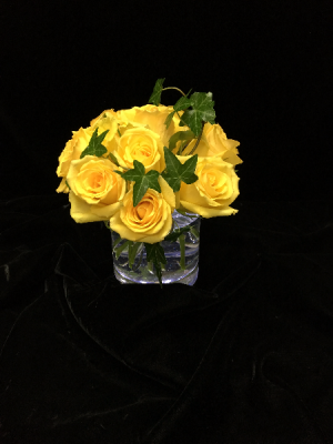 Yellow Roses  in New Canaan, CT | BON FLEUR