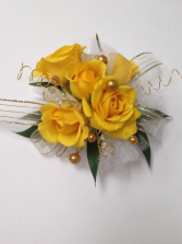 Yellow Spray Rose Wrist Corsage