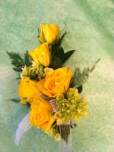 YELLOW SWEETHEART ROSE CORSAGE