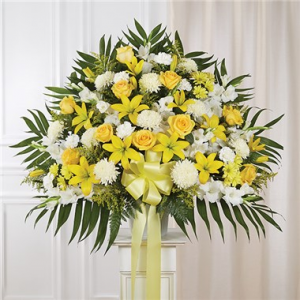 Yellow & White Standing Basket  in Brooklyn, NY | FLORAL FANTASY