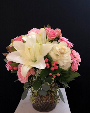 Young and Beautiful  Vase in Chesterfield, MO | ZENGEL FLOWERS AND GIFTS