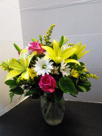 Simply Sweet Fresh Floral Arrangement